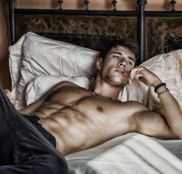 gay-single-man