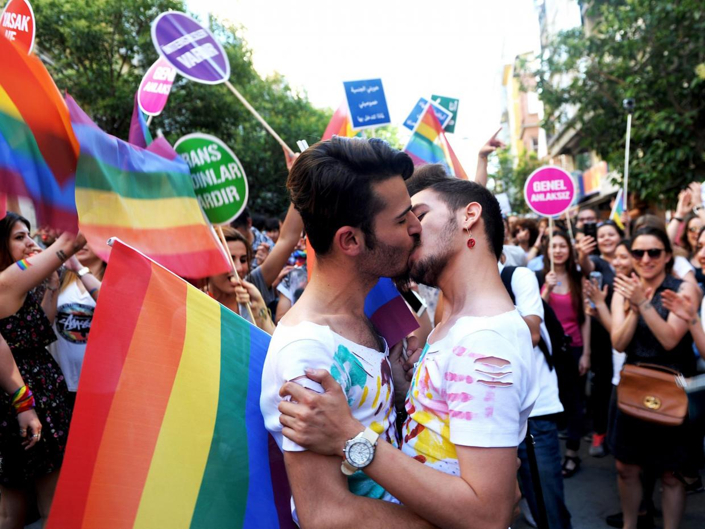 istanbul_gay_pride-www.lezpop
