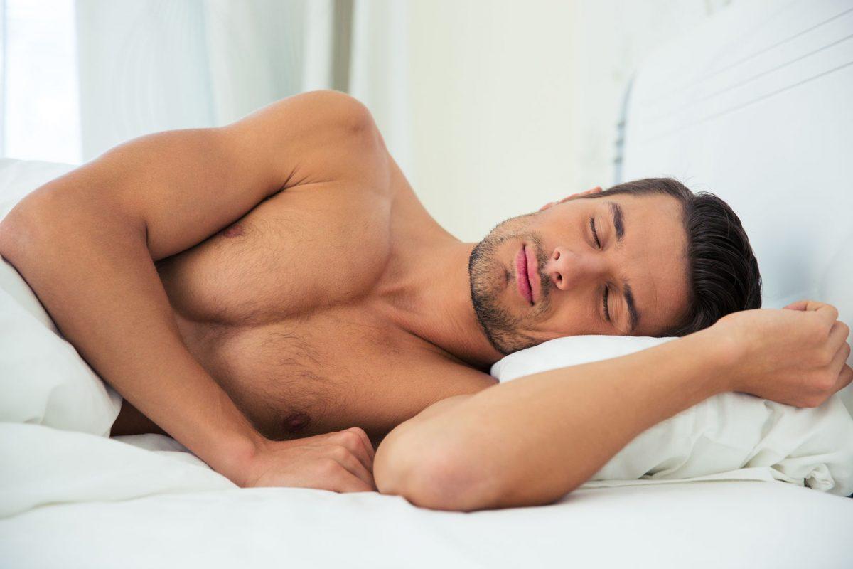 Обнаженный Мужчина Спит