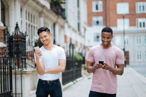 6 Ways to Meet Gay Men