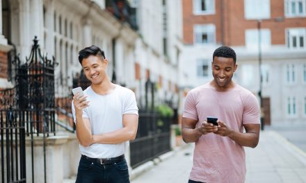 6 Ways to Meet Gay Men that Don't Require Apps