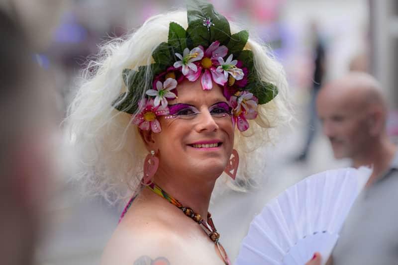 gay gender bending